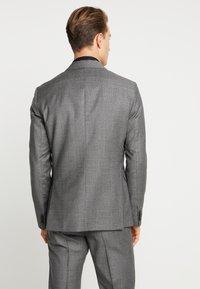 Tommy Hilfiger Tailored - SLIM FIT SUIT - Oblek - grey - 3