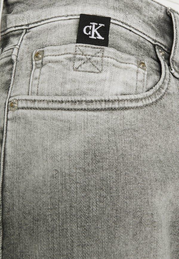 Calvin Klein Jeans SLIM TAPER - Jeansy Slim Fit - denim grey/szary denim Odzież Męska LHBV