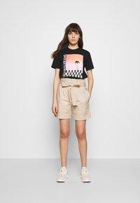 Calvin Klein - PAPER BAG WAISTED - Shorts - white smoke - 1