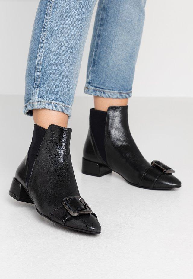 SIENA - Ankelstøvler - black