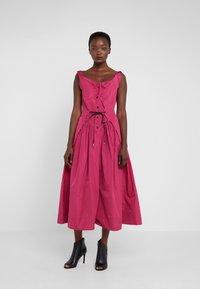 Vivienne Westwood Anglomania - NEW SATURDAY DRESS - Maxi dress - fuschia - 0