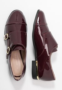 Dorothy Perkins - LIZZIEDOUBLE MONK STRAP LOAFER - Slip-ons - burgundy - 3