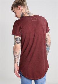 Tigha - MILO - T-shirt - bas - vintage rust red - 2