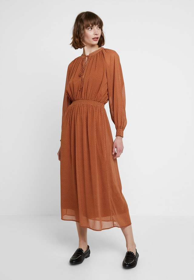 Maxi dress - white/ brown