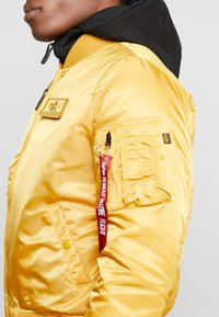 Alpha Industries - Bomber Jacket - wheat - 7