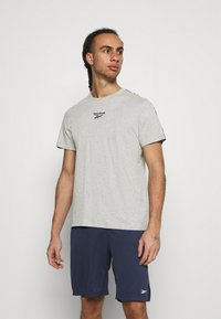 Reebok - TAPE TEE - Print T-shirt - medium grey heather - 0