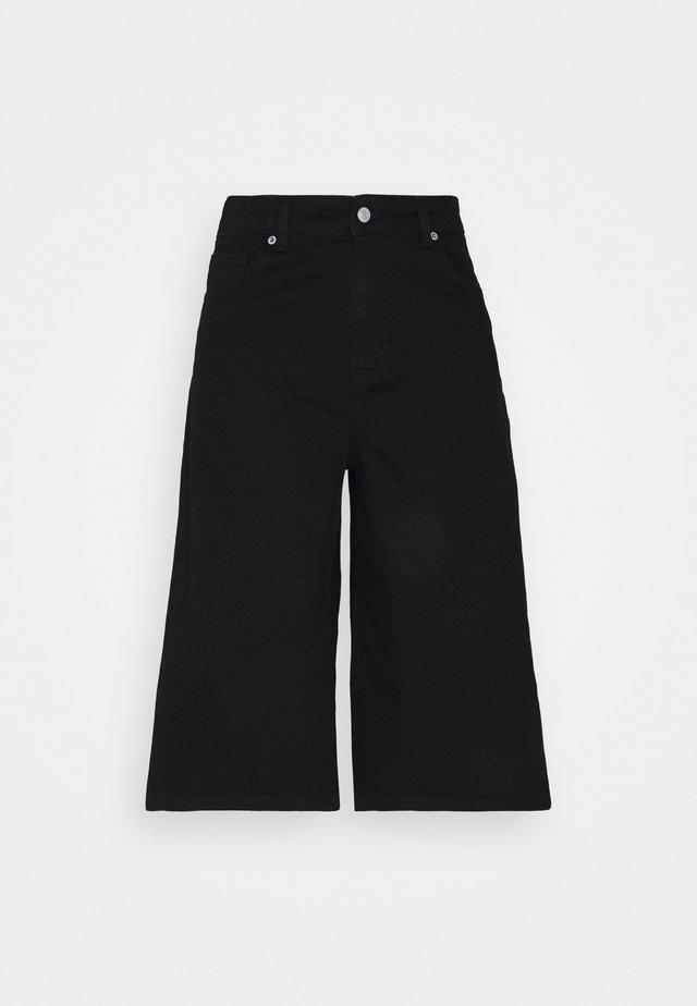 SLFLAUREL LONG - Denim shorts - black denim