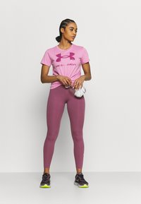 Under Armour - LIVE SPORTSTYLE GRAPHIC - Print T-shirt - planet pink - 1