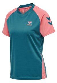 Hummel - ACTION  - T-shirt print - blue coral/tea rose - 4