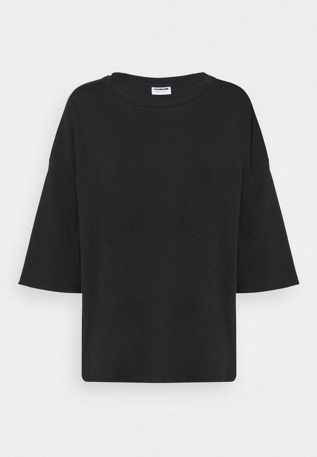 NMHAILEY - Jednoduché triko - black