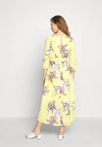 s.Oliver BLACK LABEL - KLEID KURZ - Day dress - lemonade - 2