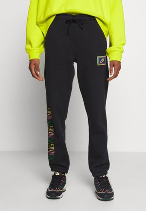 PEACE PACK PANT - Joggebukse - black/green spark