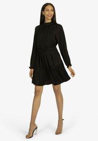 Apart - Jersey dress - schwarz - 0