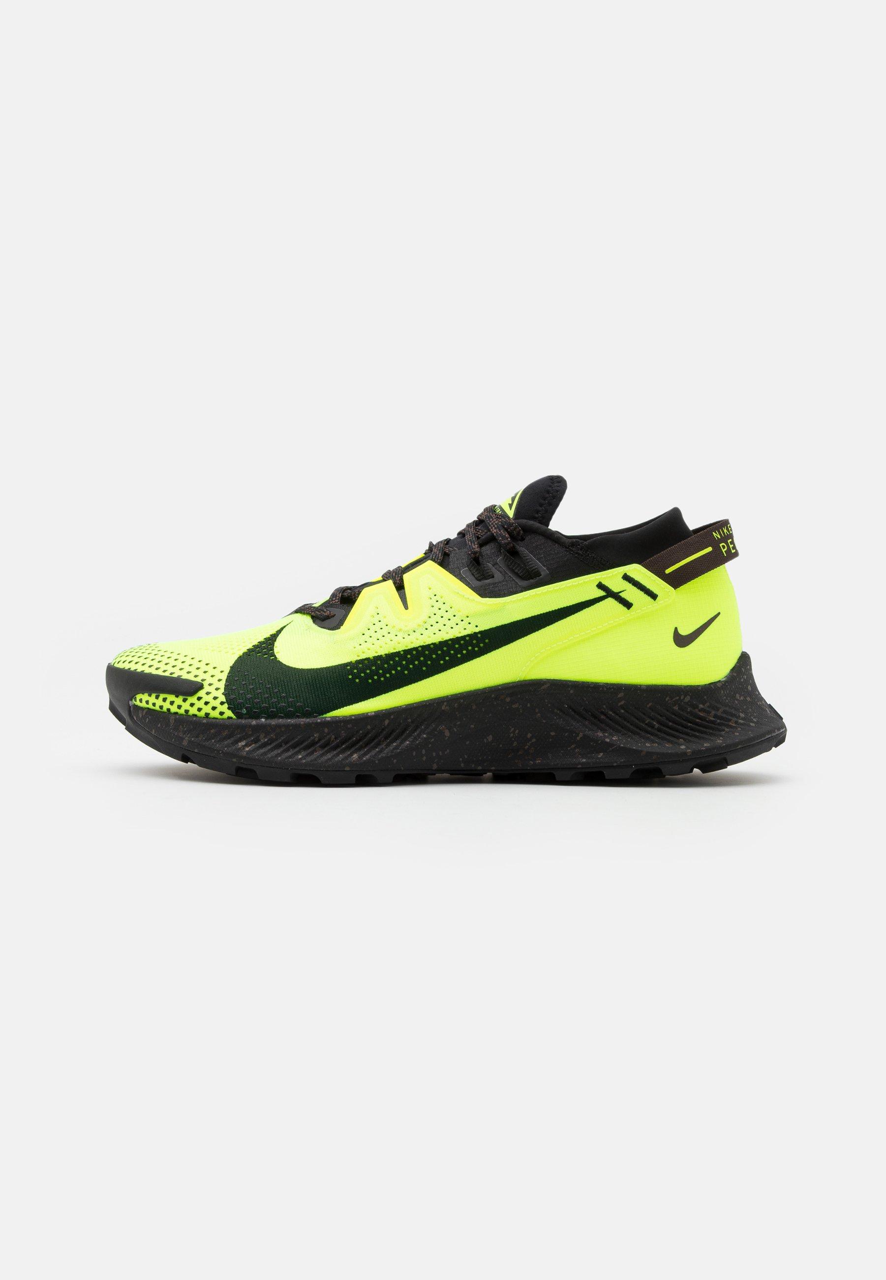 Dictadura República tarde  Nike Performance PEGASUS TRAIL - Zapatillas de trail running -  volt/black/baroque brown/verde - Zalando.es