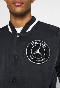 Nike Performance - M J PARIS ST GERMAIN VARSITY JACKET - Bomber Jacket - black/bordeaux/metallic gold - 6