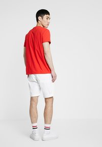 Tommy Jeans - ESSENTIAL - Shorts - white - 2