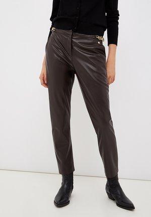 COATED - Trousers - plum
