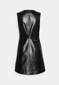 Calvin Klein Jeans - HIGH SHINE SHIFT DRESS - Sukienka letnia - black - 8