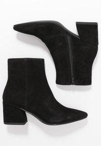 Vagabond - OLIVIA - Classic ankle boots - black - 3