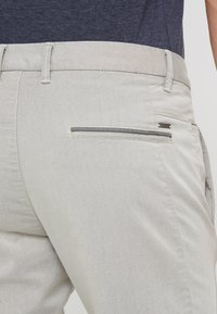 BOSS - LEEMAN - Kalhoty - light beige - 5