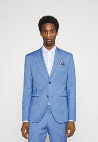 Isaac Dewhirst - SUIT - Suit - blue - 0
