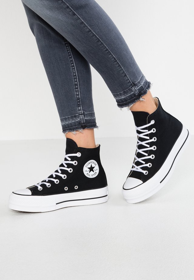 CHUCK TAYLOR ALL STAR LIFT - Korkeavartiset tennarit - black/white
