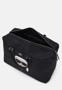 KARL LAGERFELD - IKONIK WEEKENDER - Weekend bag - black - 3