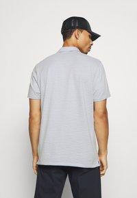 Nike Golf - DRY PLAYER - Funkční triko - white/sky grey/brushed silver - 2