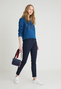 GAP - ANKLE BISTRETCH - Kalhoty - true indigo - 1