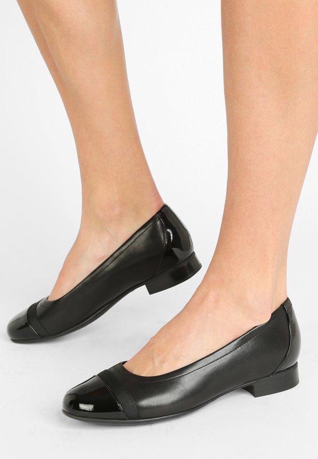 UN BLUSH CAP - Ballet pumps - black
