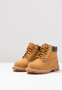 Timberland - 6 IN PREMIUM WP BOOT - Botines con cordones - wheat - 3