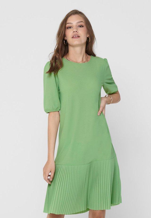 Day dress - mistletoe