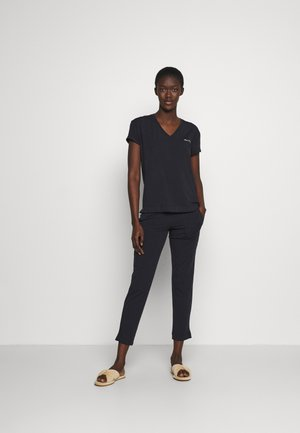 LOUNGE V NECK SET - Pyjamas - schwarz