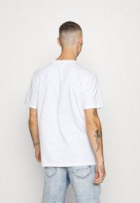 Only & Sons - ONSLUIGI LIFE TEE  - Basic T-shirt - white - 2