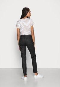 Opus - EVITA COATED - Jeans Skinny Fit - black - 2