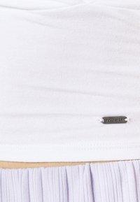Hollister Co. - WRAP CAMI TRIFECTA - Topper - white - 5