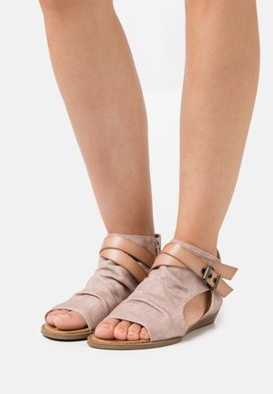 BALLA4EARTH - Ankle cuff sandals - island