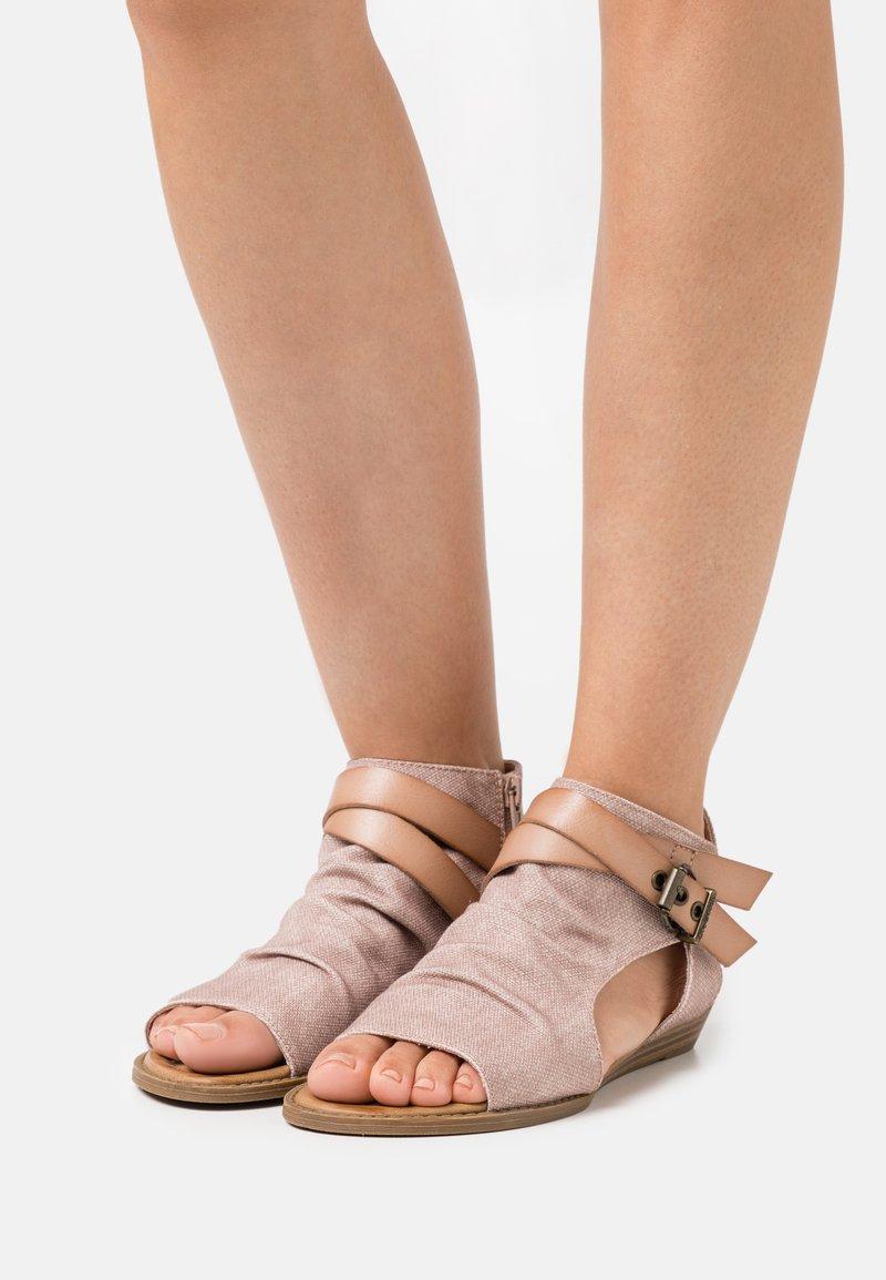 Blowfish Malibu - BALLA4EARTH - Ankle cuff sandals - island