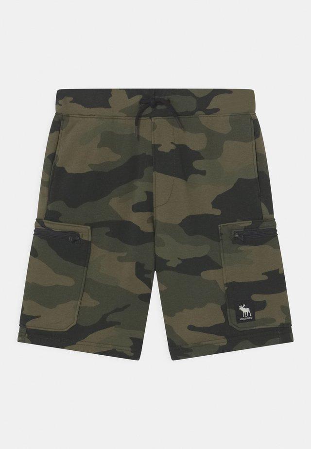 UTILITY  - Shorts - camo