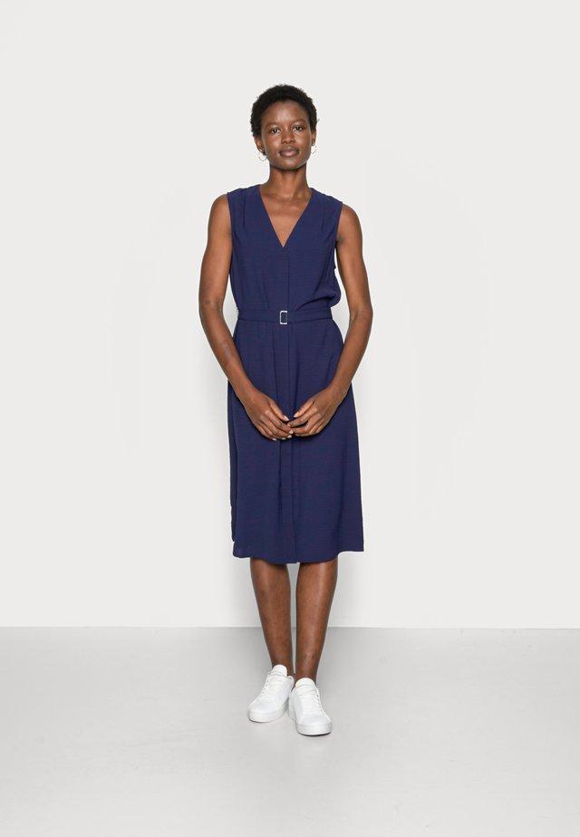 WOVEN TUNIC DRESS BUCKLE - Korte jurk - dark blue