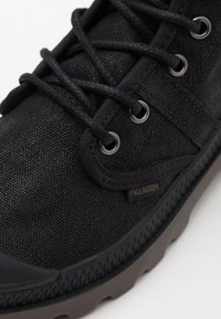 Palladium - PALLABROUSE WAX UNISEX - Lace-up ankle boots - black - 5