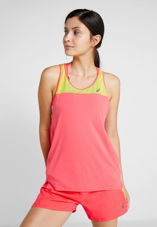 LOOSE STRAPPY TANK - T-shirt sportiva - laser pink/sour yuzu