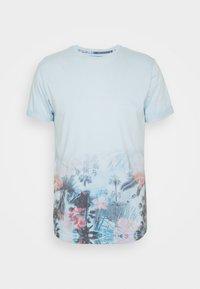 AVILES - Print T-shirt - sky way