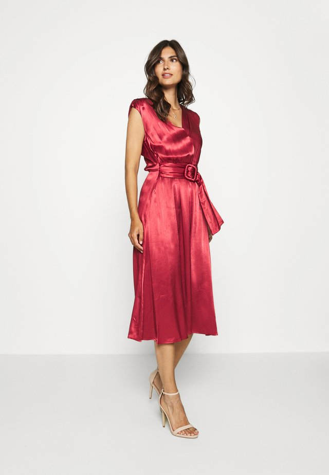 FQLIDITY - Cocktail dress / Party dress - brick red