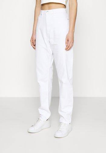 LOOSE - Jean boyfriend - white