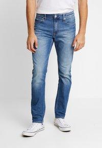 Calvin Klein Jeans - CKJ 026 SLIM - Slim fit jeans - bright blue - 0