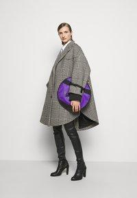 MM6 Maison Margiela - Taška spříčným popruhem - royal purple - 0
