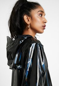 Rains - UNISEX HOLOGRAPHIC JACKET - Impermeable - black - 3