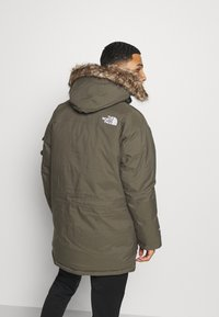 The North Face - RECYCLED MCMURDO UTILITY - Down coat - new taupe green - 2