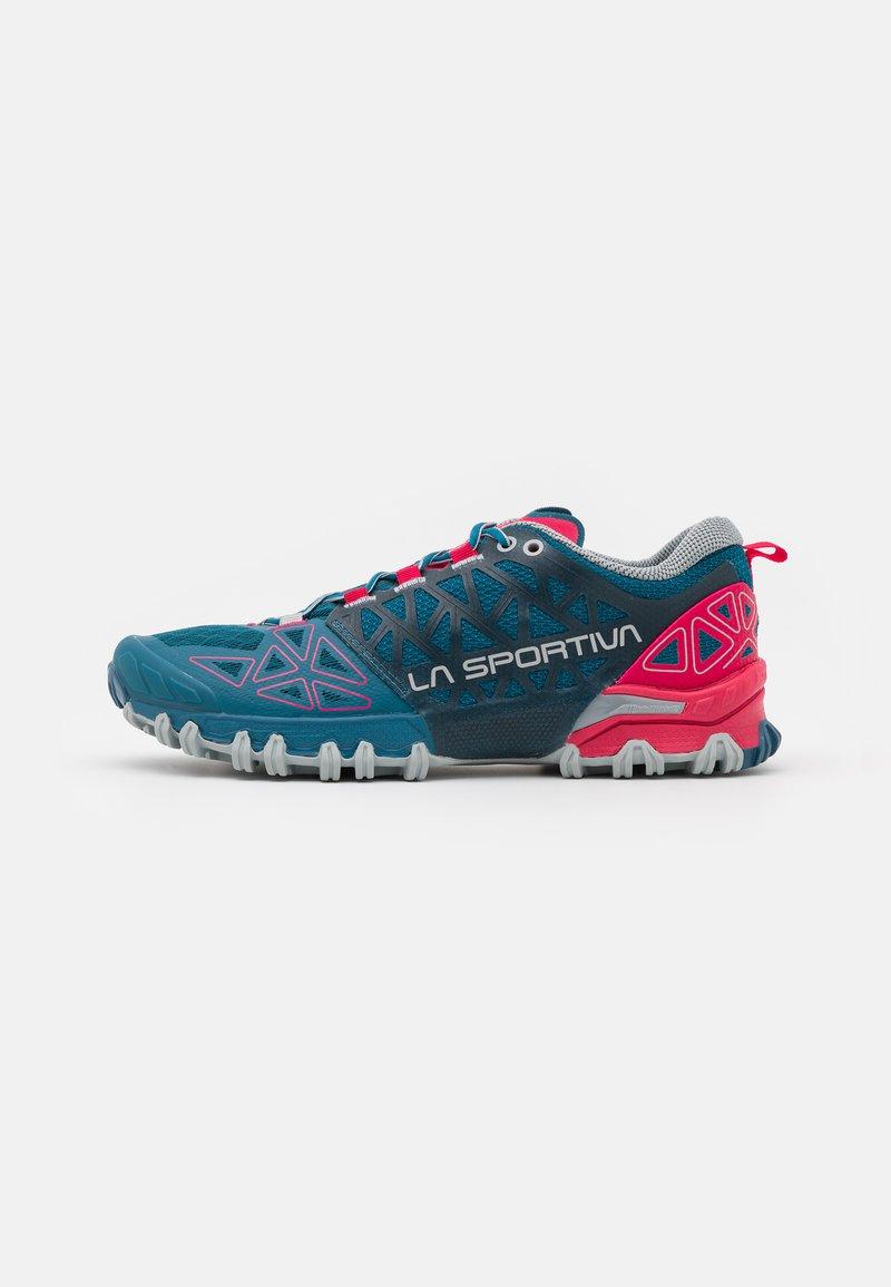 La Sportiva - BUSHIDO II WOMAN - Běžecké boty do terénu - black/red plum
